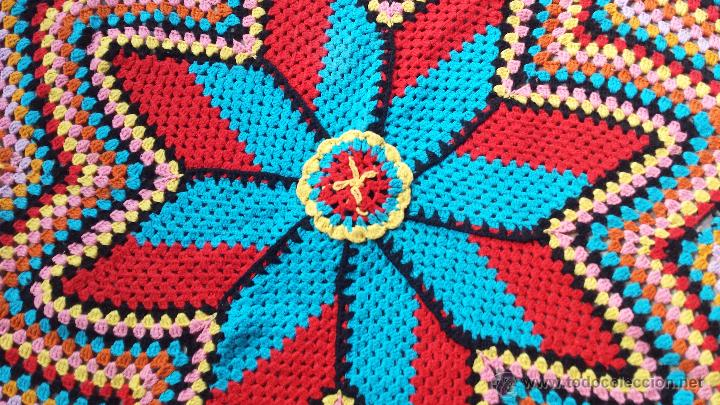 Antigüedades: Antiguo tapete para mesa de camilla, hecho a ganchillo - Foto 3 - 51392493