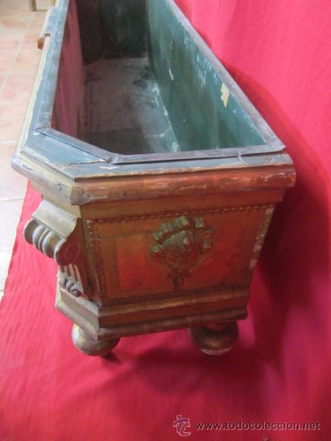 Antigüedades: Preciosa jardinera de finales del s. XIX en madera dorada y estucada. - Foto 5 - 51406454