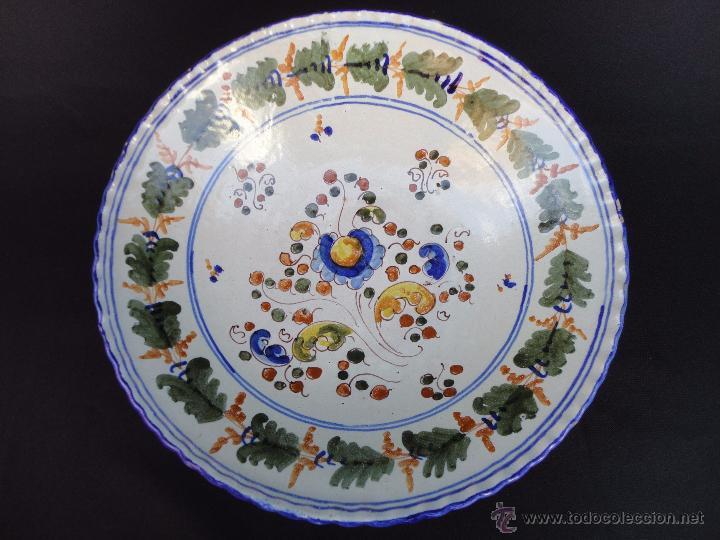 Antigüedades: Cerámica talaverana: Plato firmado Saso - Foto 6 - 51420579