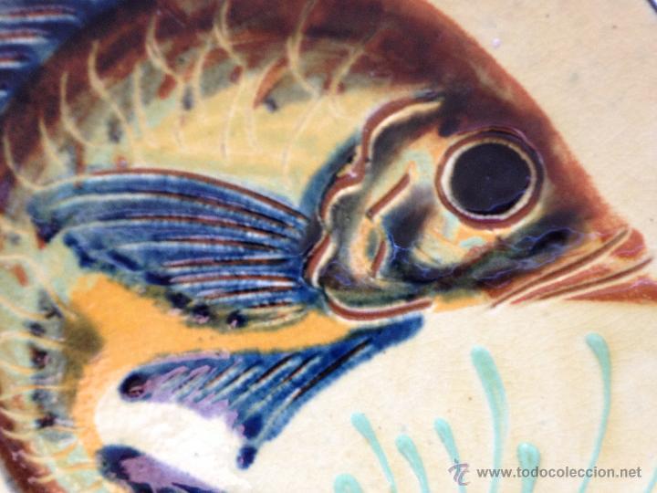 Antigüedades: PLATO DE CERAMICA DECORADO CON UN PEZ. FIRMADO - Foto 3 - 51425764