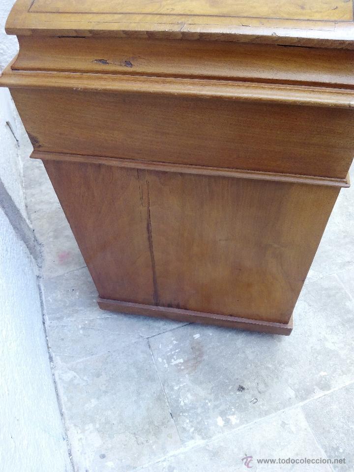 Antigüedades: Pupitre antiguo de madera noble posiblemente de origen francés. Recogida en mano a 30 km de Barcelon - Foto 7 - 51431156