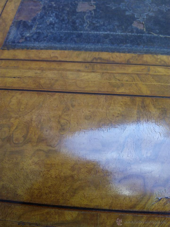 Antigüedades: Pupitre antiguo de madera noble posiblemente de origen francés. Recogida en mano a 30 km de Barcelon - Foto 8 - 51431156