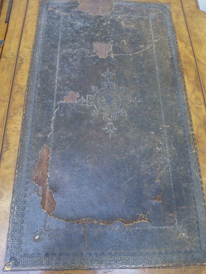 Antigüedades: Pupitre antiguo de madera noble posiblemente de origen francés. Recogida en mano a 30 km de Barcelon - Foto 10 - 51431156