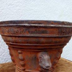 """Antigüedades: ESPECTACULAR MACETA DE BARRO DE 1847 """"TERRISSA"""". ESCUDO ESTEVA IV O SIMILAR. Lote 51448697"""