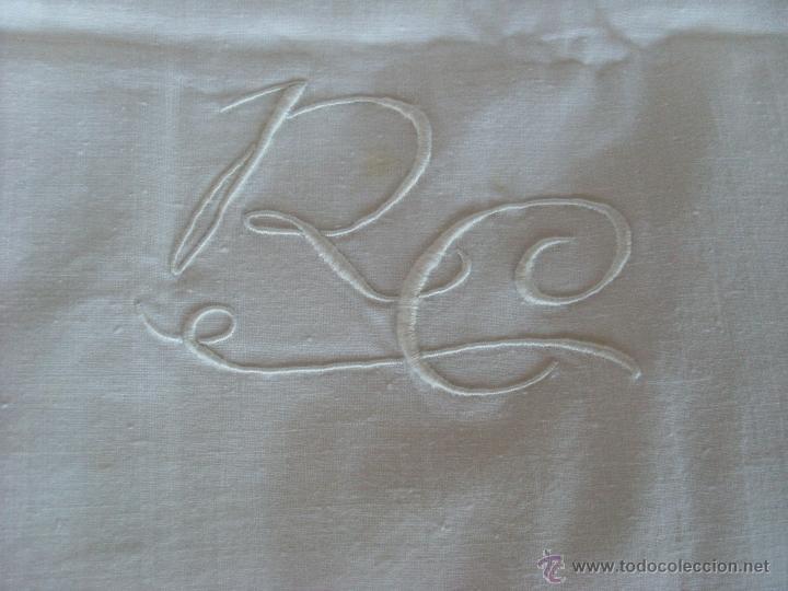 Antigüedades: Sábanas blancas bordadas y dos almohadas a juego - Foto 10 - 51458519