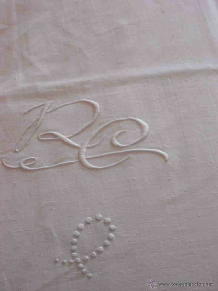 Antigüedades: Sábanas blancas bordadas y dos almohadas a juego - Foto 12 - 51458519