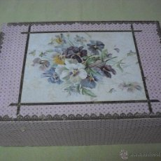 Antigüedades - Caja rosa con flores en la tapa rectangular - 51470145