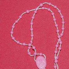 Antigüedades: SENCILLO ROSARIO DE PLASTICO Y CUERDA. Lote 51513919