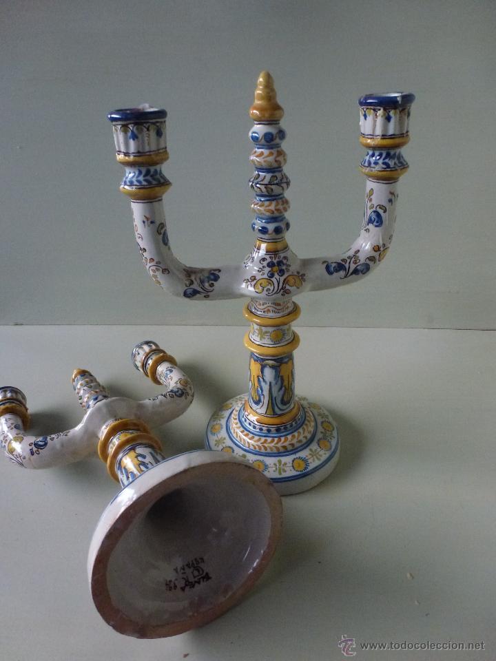 Antigüedades: Pareja de candelabros, ceramica. Ruiz de Luna, Talavera. - Foto 8 - 51579114