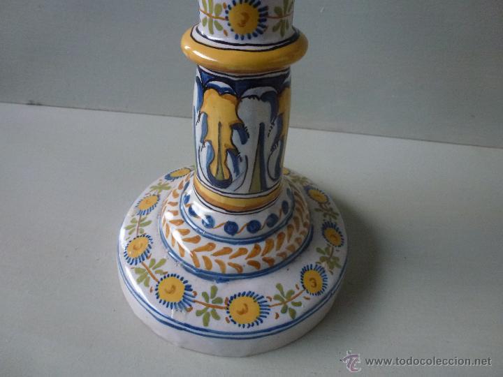 Antigüedades: Pareja de candelabros, ceramica. Ruiz de Luna, Talavera. - Foto 22 - 51579114