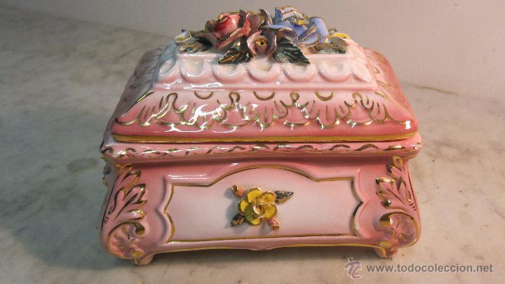 COFRE DE PORCELANA FINA (Antigüedades - Porcelanas y Cerámicas - Manises)