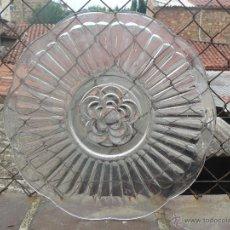 Antigüedades: PRECIOSO PLATO DE CRISTAL PRENSADO. Lote 51632379