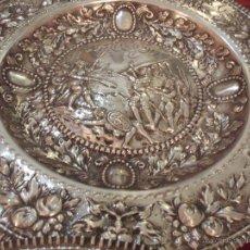 Antigüedades: PLATOS DE PLATA DE LEY. Lote 51633501