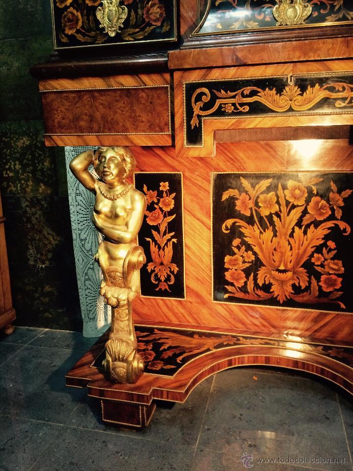 Antigüedades: MUEBLE APARADOR DE MADERA, MARQUETERÍA Y BRONCE - Foto 8 - 56583033