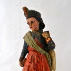 Antigüedades: ANTIGUA FIGURA DE NIÑO CAZADOR EN TERRACOTA * 32CM DE ALTURA *. Lote 51671321