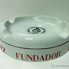 Antigüedades: CENICERO CERÁMICA PONTESA PUBLICIDAD FUNDADOR PEDRO DOMECQ JEREZ - BAR VINO LICOR BRANDY COÑAC. Lote 51671574