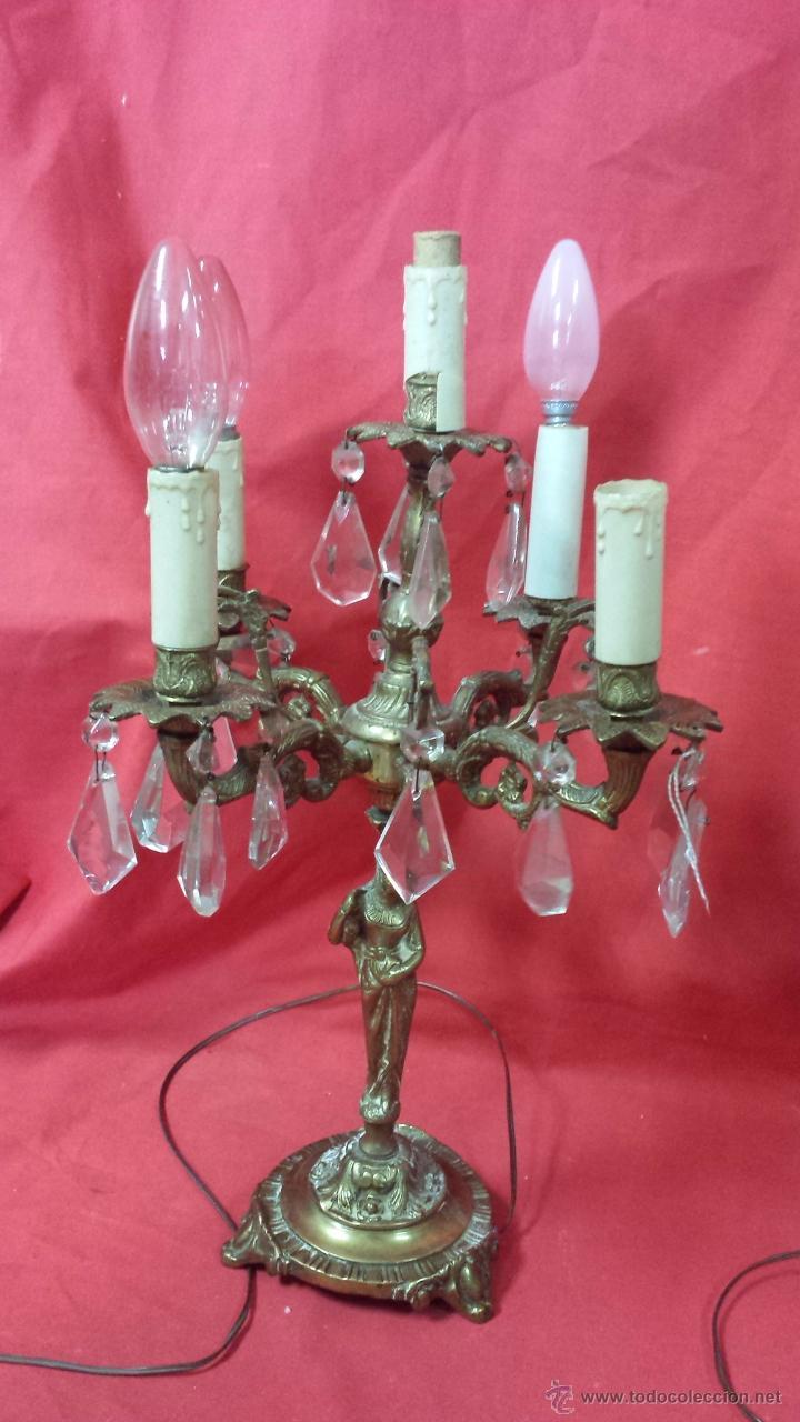 Antigüedades: Pareja de candelabros realizados en bronce con figura femenina. - Foto 2 - 51688067