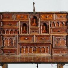 Antigüedades: BARGUEÑO CASTELLANO SIGLO XVII DE NOGAL CON MARQUETERIA. Lote 51704446