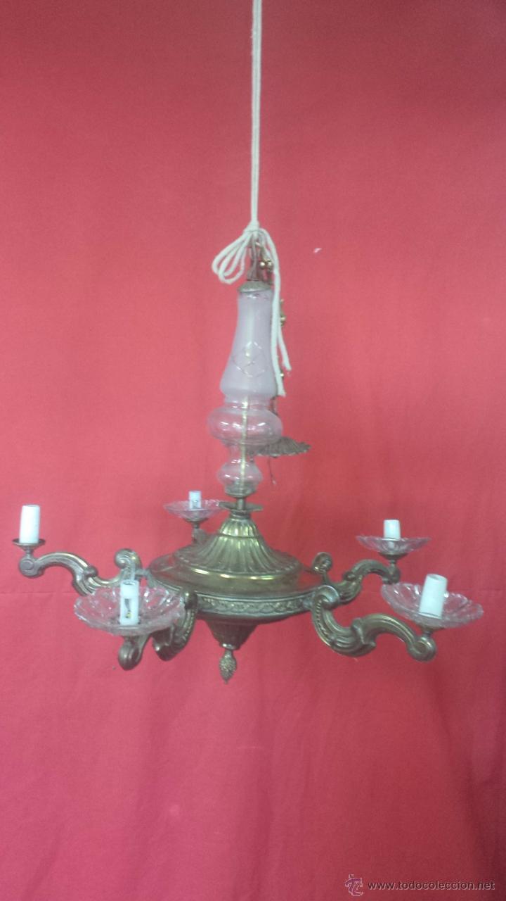 LÁMPARA DE TECHO EN DORADO DE CINCO BRAZOS CON ADORNOS EN CRISTAL. (Antigüedades - Iluminación - Lámparas Antiguas)