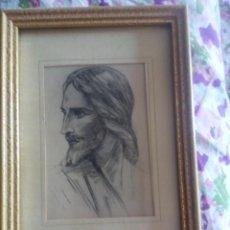 Antigüedades: BONITO CUADRO DE JESUS ESTILO CARBONCILLO. POSTAL ENMARCADO AÑOS 50. Lote 51772768