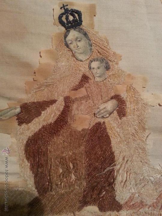 Antigüedades: ESPECTACULAR BORDADO SIGLO XIX VIRGEN DEL CARMEN 52 X 43 CM - Foto 2 - 51773836