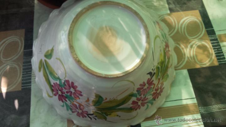 Antigüedades: frutero o centro de mesa pintado a mano, firmado lario - Foto 4 - 127424966