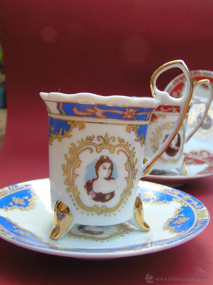 JUEGO DE CAFÉ .PORCELANA, 5 TAZAS Y 6 PLATOS. GRACIOSAS TAZAS CON PATITAS. (Antigüedades - Porcelanas y Cerámicas - Otras)