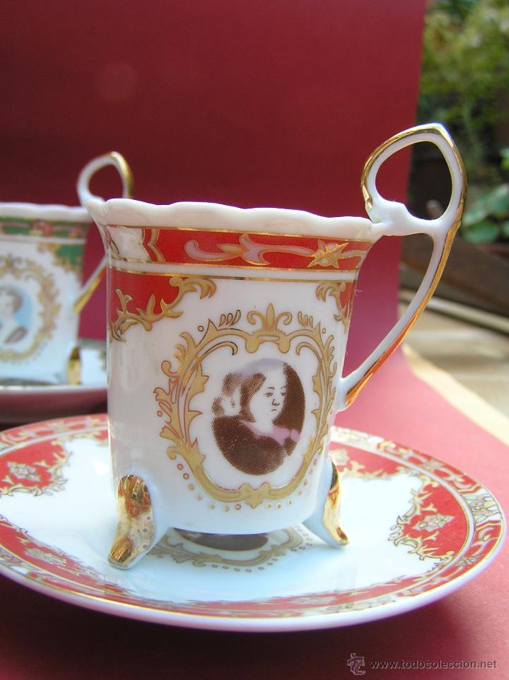 Antigüedades: JUEGO DE CAFÉ .PORCELANA, 5 tazas y 6 platos. Graciosas tazas con patitas. - Foto 5 - 89855987
