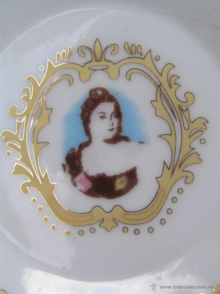 Antigüedades: JUEGO DE CAFÉ .PORCELANA, 5 tazas y 6 platos. Graciosas tazas con patitas. - Foto 10 - 89855987
