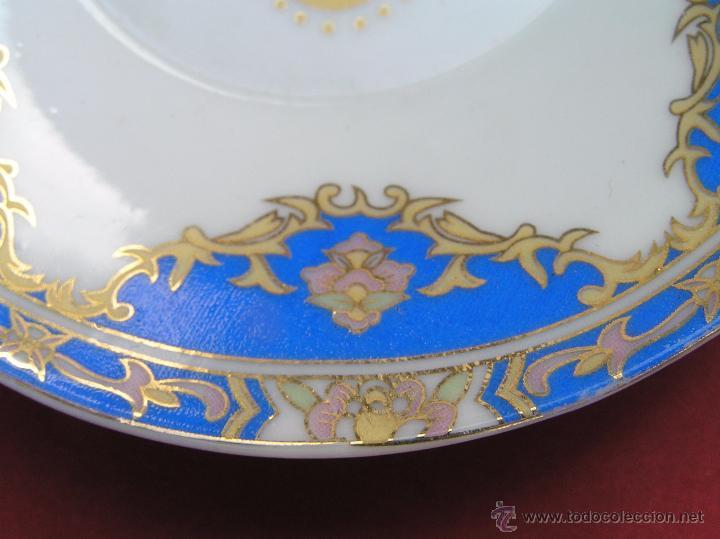 Antigüedades: JUEGO DE CAFÉ .PORCELANA, 5 tazas y 6 platos. Graciosas tazas con patitas. - Foto 13 - 89855987