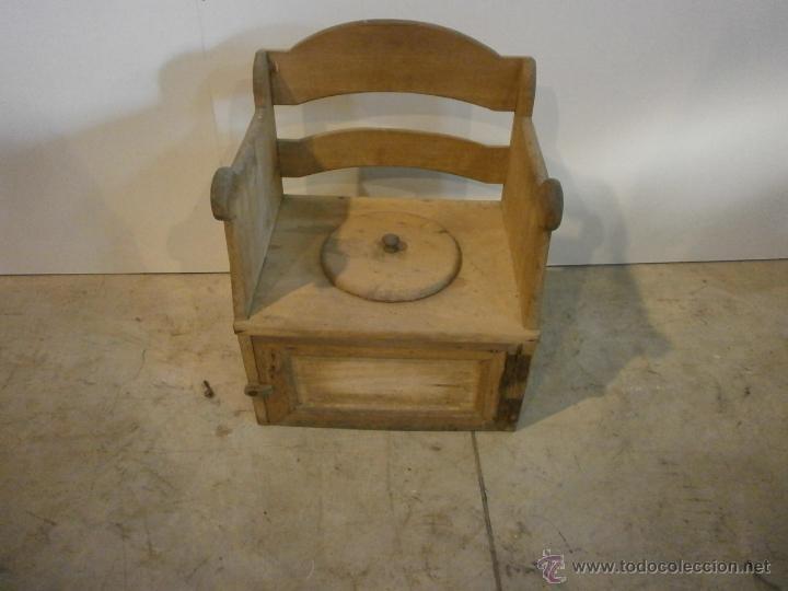 Curioso sill n lavabo peque o para ni os comprar - Sillones de madera antiguos ...
