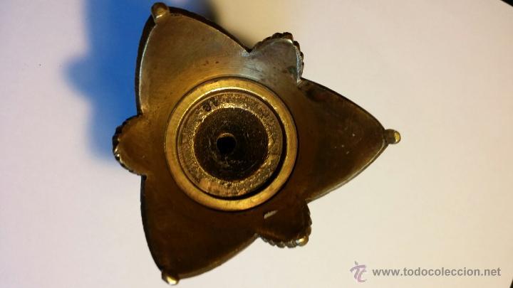 Antigüedades: Caza: antiguo cuenco de bronce en base de cornamenta - Foto 9 - 51963450