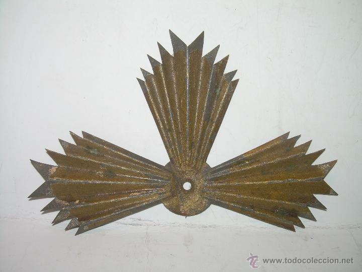 ANTIGUA CORONA PARA IMAGEN DE SANTO. (Antigüedades - Religiosas - Orfebrería Antigua)