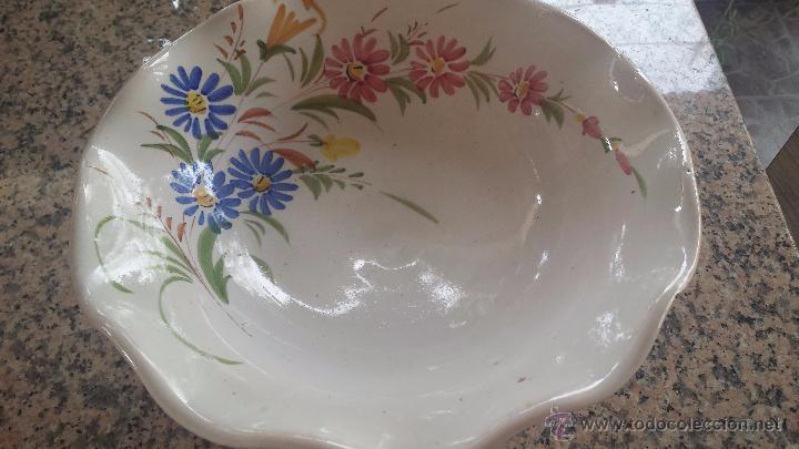 Antigüedades: precioso frutero de ceramica , pintado a mano. lario - Foto 2 - 52007574