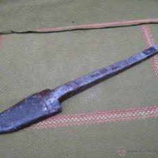 Antigüedades: GRAN REJA O REJON ANTIGUO, PARA ARADO ROMANO. FECHADA 1910 CON INICIALES. ETNOGRAFIA.. Lote 52084015