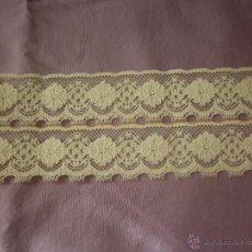 Antigüedades: ENCAJE PUNTO DE AGUJA. ENTREDOS COLOR MARFIL. Lote 53628273