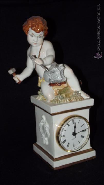 RELOJ ARTES EN AUTÉNTICA PORCELANA ALGORA DOCUMENTADA. MUY POCO FRECUENTE EN PERFECTO ESTADO (Antigüedades - Porcelanas y Cerámicas - Algora)