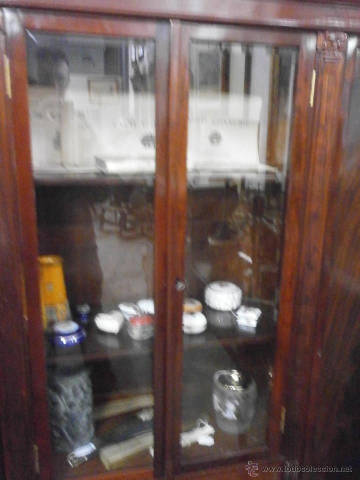 Antigüedades: Antigua vitrina - Isabelina - comedor -despacho - madera de caoba - finales Siglo XIX - Foto 6 - 52168538