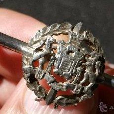 Antigüedades: ALFILER DE CORBATA EN PLATA CON EL ESCUDO DE VALLADOLID. Lote 52260522