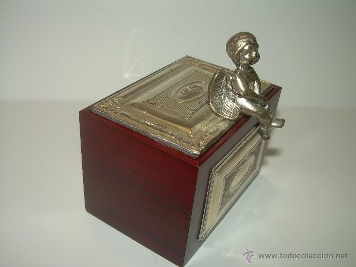 Antigüedades: PRECIOSA CAJITA DE MADERA NOBLE Y PLATA DE LEY DE 925...CON CONTRASTES...EN LA TAPA Y EN LA BASE. - Foto 2 - 52296742