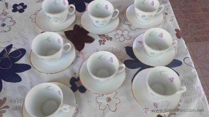 Antigüedades: antiguo juego de 8 tazas y sus platos, sellados santa clara - Foto 2 - 52307529