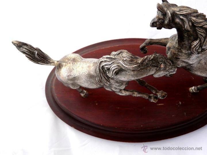 Antigüedades: PELEA DE CABALLOS EN PLATA DE LEY - Foto 11 - 52333338