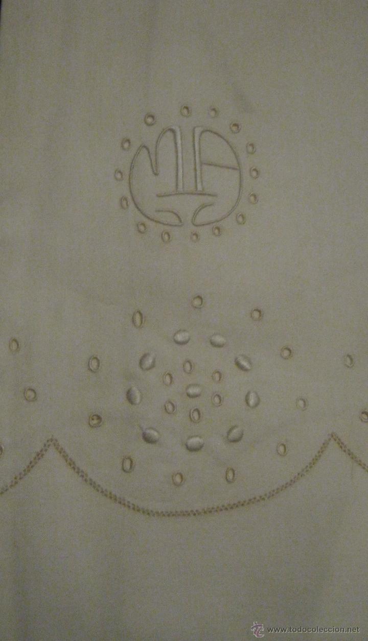 Antigüedades: ANTIGUA FUNDA DE ALMOHADA CON BORDADOS E INICIALES M.A. PPIO.S.XX - Foto 2 - 52361761