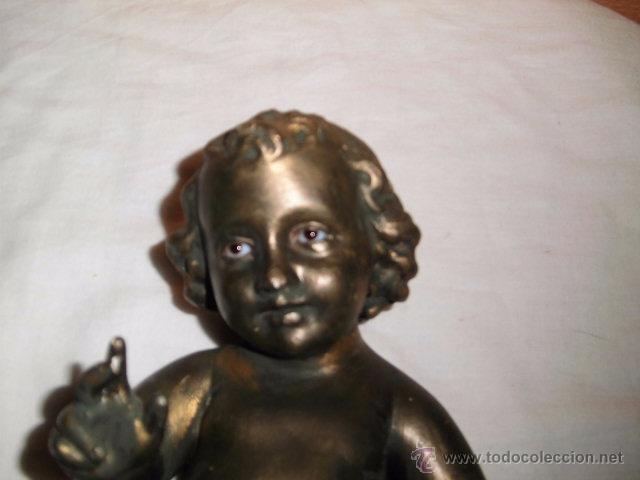Antigüedades: ANTIGUO NIÑO JESUS DE OLOT,OJOS DE CRISTAL,LE HAN PINTADO ENCIMA CON PURPURINA,DEFECTOS LEER - Foto 2 - 52367512