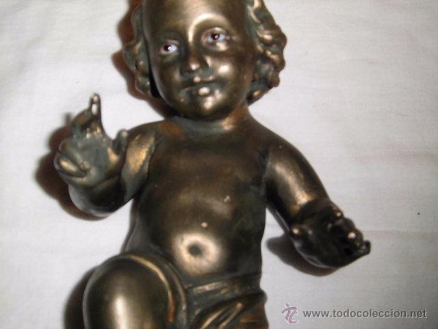 Antigüedades: ANTIGUO NIÑO JESUS DE OLOT,OJOS DE CRISTAL,LE HAN PINTADO ENCIMA CON PURPURINA,DEFECTOS LEER - Foto 4 - 52367512