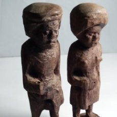 Antigüedades: PAREJA DE FIGURAS ANTIGUAS AFRICANAS DE MADERA. Lote 52468172