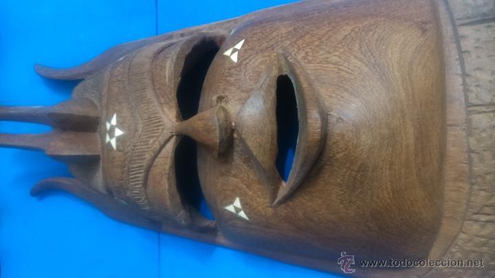 Antigüedades: MASCARA AFRICANA TALLADA A MANO - Foto 2 - 52472405