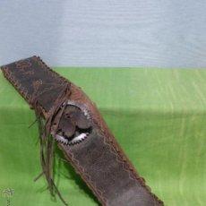 Antigüedades: ANTIGUA CORREA LABRADA CON CENCERRO NUMERADO EN RELIEVE - ARTE POPULAR PASTORIL DE SALAMANCA-S. XIX. Lote 52477266