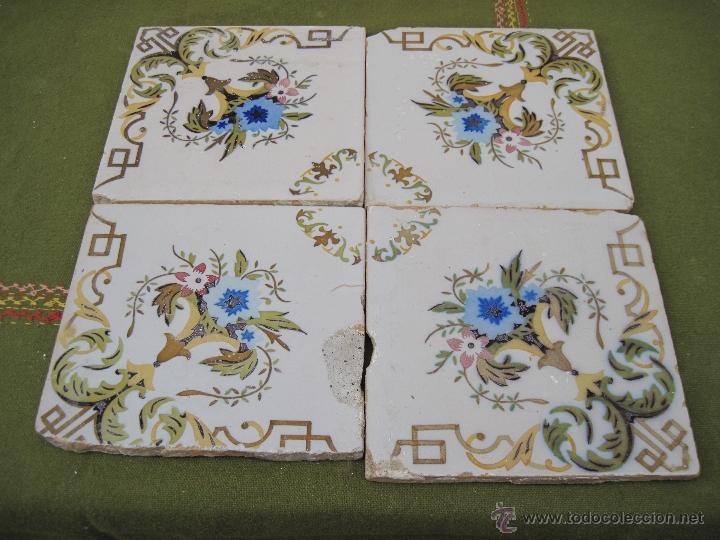 LOTE DE 4 AZULEJOS ANTIGUOS DE VALENCIA / MANISES. SIGLO XIX - XX. (Antigüedades - Porcelanas y Cerámicas - Manises)