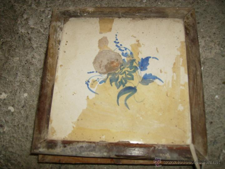**ANTIGUO AZULEJO HIDRAULICO ENMARCADO (20 X 20 CM)TAL Y COMO SE VE EN LA FOTO** (Antigüedades - Porcelanas y Cerámicas - Azulejos)
